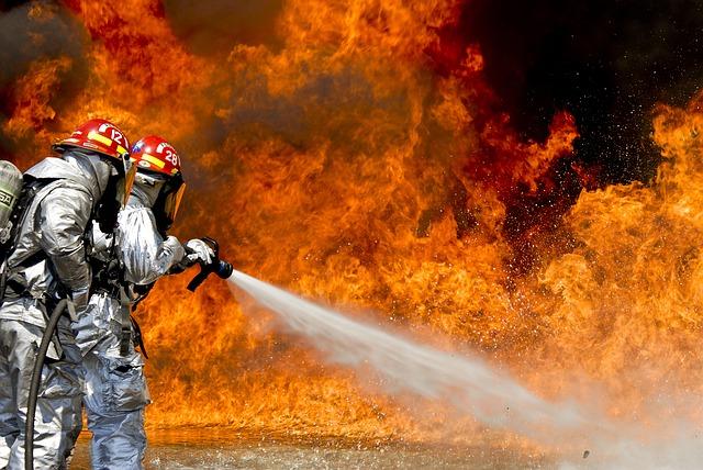 kebakaran di pabrik